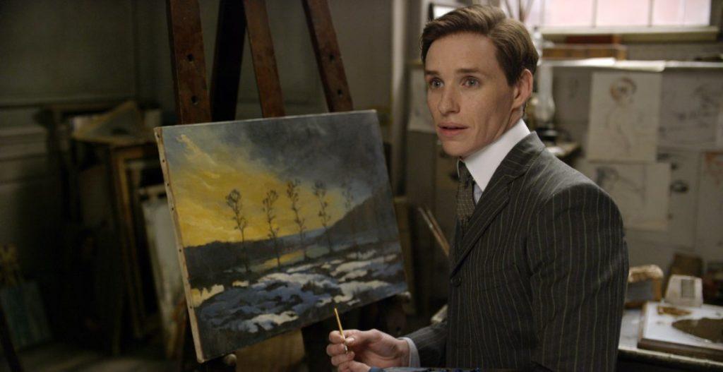 Dziewczyna zportretu Einat maluje dżewa