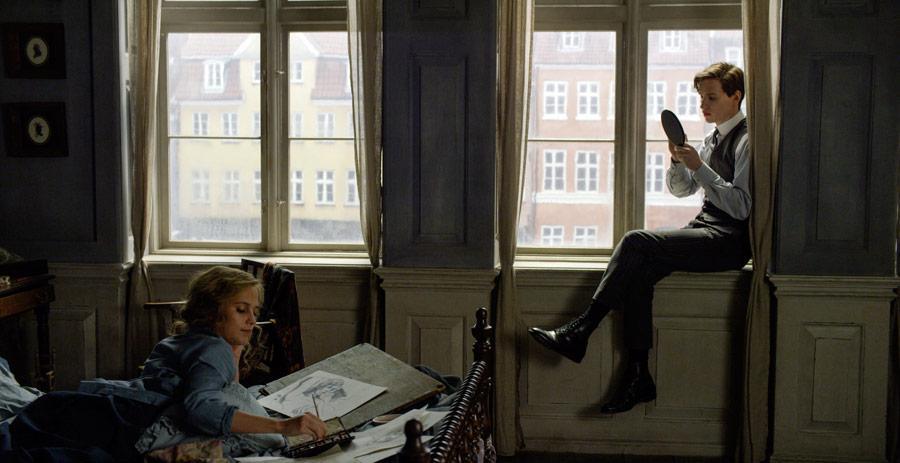 Dziewczyna zportretu Greta, Einar łóżko okno
