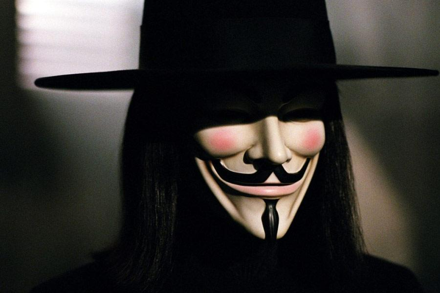 Równie dobrze zatą maską mógł kryć się Brad Pitt.